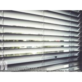 Veneciana Aluminio Blanca Guiada Lamas 16mm