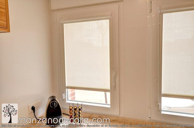 Estores-cocina-marco-ventana