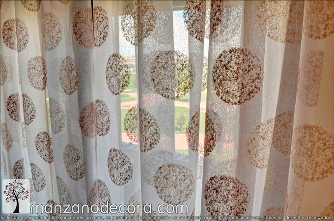 Cortinas-tablones-salon-estampadas