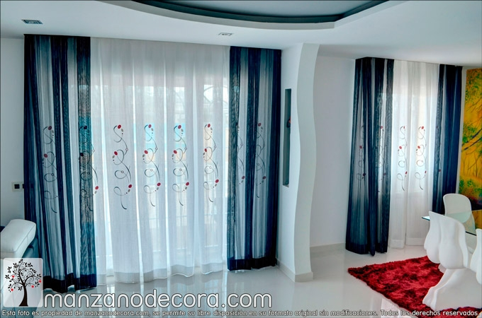 Cortinas-tablones-salon-bordadas
