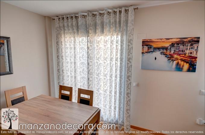 cortina de ollaos estampada en salón