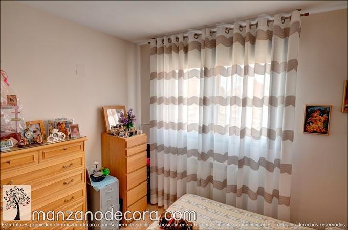 cortina de ollaos en dormitorio auxiliar chica