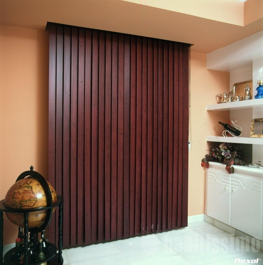 Persianas verticales de madera cortinas manzanodecora for Ganchos para cortinas de madera